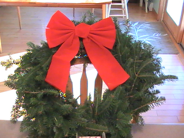 wreath-red-bow